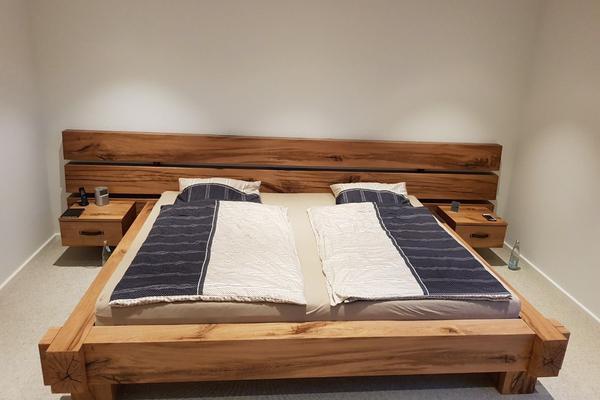 Bett aus Balkeneiche