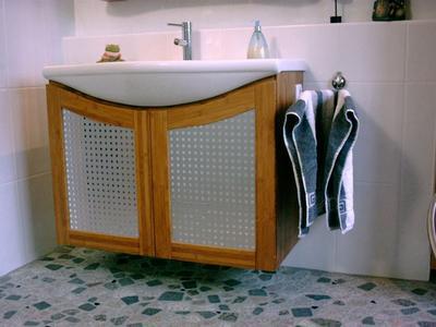 Waschtische + Badmöbel