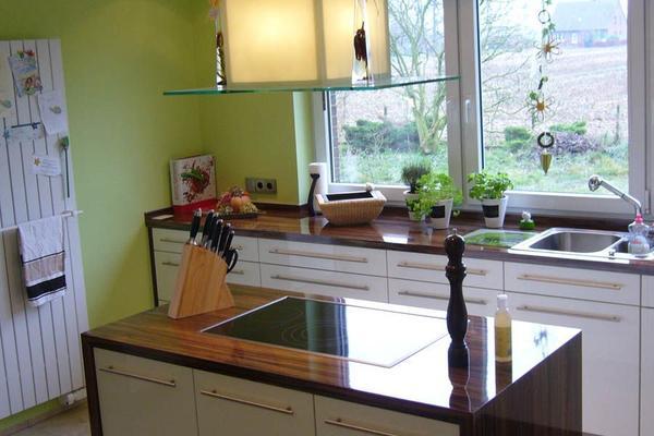 Küchenzeile mit Insel